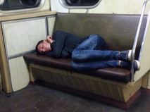 Бродяга в метро