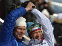 Норвежские спортсмены: лыжник Бьорн Эрленд Дэли (слева) и биатлонист Уле-Эйнар Бьорндален после спринтерской гонки в соревнованиях по биатлону