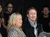 Синтия и Джулиан Леннон
