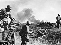 Советские солдаты ведут бой на подступах к Одессе