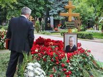 Могила Евгения Примакова на Новодевичьем кладбище Москвы