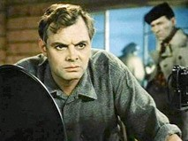 """Кадр из фильма """"Далеко от Москвы"""""""