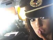 Порноактрисы в кабине пилота