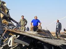 Министр МЧС России Владимир Пучков на месте крушения самолета Airbus A321 рейса 9268