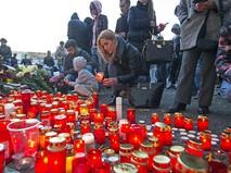 Траур по погибшим при пожаре в ночном клубе в Бухаресте