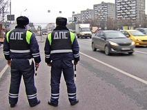 Инспекторы ДПС на посту