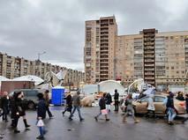 Штормовой ветер в Санкт-Петербурге сдул палаточный рынок