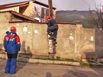 Работа электриков в Крыму