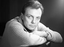 Кирилл Лавров