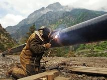 Сварка газопровода в горах
