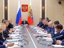 Президент России Владимир Путин на заседании кабинета министров