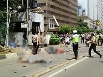 Полиция Индонезии на месте теракта в Джакарте