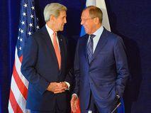 Сергей Лавров (справа) и Джон Керри (слева)