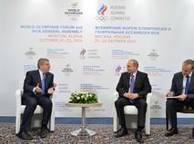 Президент России Владимир Путин во время встречи с президентом Международного олимпийского комитета Томасом Бахом