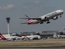 Лайнер American Airlines