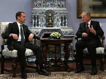 Председатель правительства России Дмитрий Медведев и вице-канцлер Австрии Райнхольд Миттерленер во время встречи