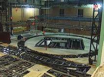 Монтаж оборудования на сцене будущего театра Олега Табакова