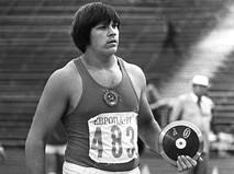 Чемпион Европы (1977) среди юниоров в метании диска Юрий Эдуардович Думчев