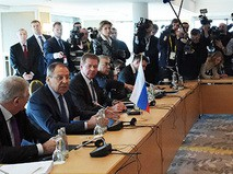 Глава МИД России Сергей Лавров во время двусторонней встречи в Мюнхене