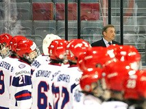 Владислав Третьяк и хоккеисты