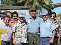 Рамон Кастро (в центре) и делегация советских журналистов на Кубе