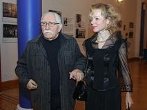 """""""Неравные браки звёзд"""": Армен Джигарханян с супругой Виталиной"""