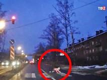 Машина сбила школьницу на пешеходном переходе