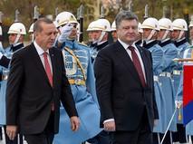 Президент Турции Тайип Эрдоган и президент Украины Петр Порошенко на церемонии официальной встречи