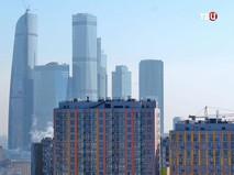 Новостройки на фоне Москва-Сити