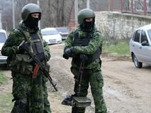 Сотрудники правоохранительных органов во время спецоперации