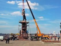 Демонтаж памятника Ленину на Украине