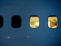 Госсекретарь США Джон Керри в самолете
