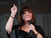Наталья Варлей во время концертной программы в Доме кино