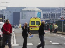 У аэропорта в Брюсселе, где произошел взрыв