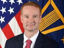 Заместитель помощника главы Пентагона Майкл Карпентер