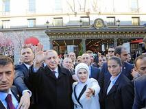 Президент Турции Тайип Эрдоган в окружении охраны