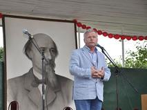 Сергей Никоненко читает стихи