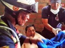 Спасатели Эквадора извлекли из под завалов пострадавшего во время землетрясения