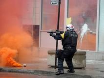 Столкновения демонстрантов с полицией в Европе
