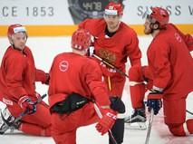 Игроки сборной России по хоккею во время тренировки накануне старта чемпионата мира 2016 в России