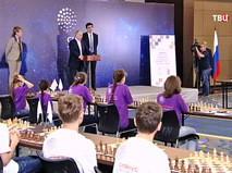 Владимир Путин посетил новую шахматную школу в Сочи