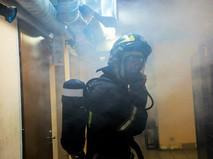 Пожарный на месте возгорания