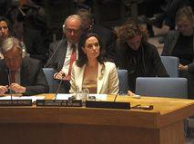 Актриса, режиссер и посол доброй воли Управления Верховного комиссара ООН по делам беженцев Анджелина Джоли
