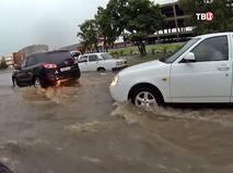 Подтопление дороги после сильных ливневых дождей
