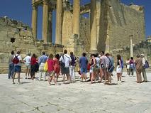 Туристы в Тунисе