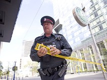 Полиция Канады оцепляет улицу