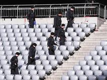 Полиция проверяет футбольный стадион