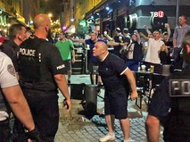 Фанаты сборной Англии и полиция Франции
