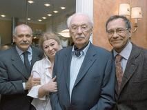 Сергей Михалков с супругой Юлией и сыновьями Никитой и Андроном