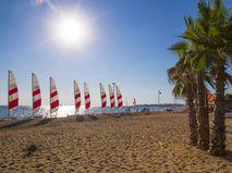 Опустевшие пляжи Антальи